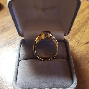 Jewelry - Gold band with tigers eye stone, size 6